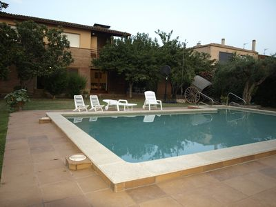 Photo for Spacious village house with garden and pool for 7/8 people