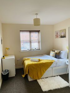 Photo for Beautiful Two Bedroom Apartment - Central/Ricoh