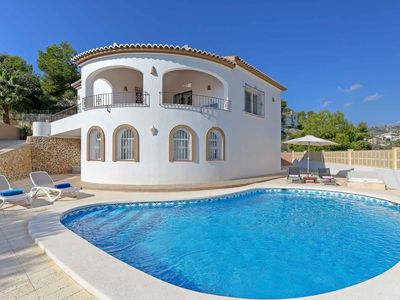 Photo for Villa Blanc-Within walking distance of the beaches & shops. WI-FI & A/C included