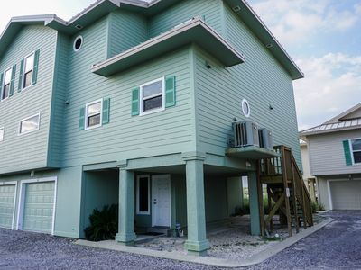 Photo for Wonderful Gulf Front Townhome, Close to Beach and Pool.