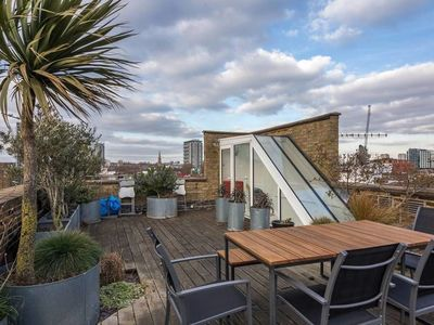 Photo for Notting Hill Beauty 2bdr With Roop Terrace