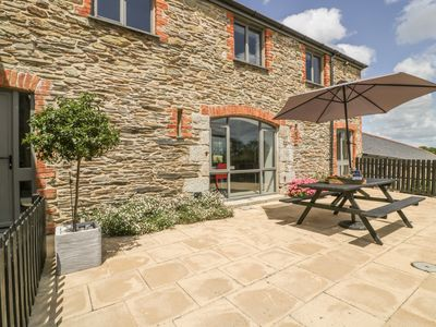 Photo for KARADOW, pet friendly, with hot tub in St Mawes, Ref 1002317