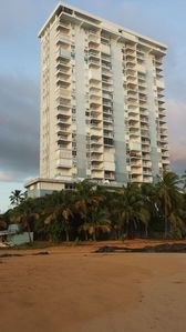 Condo is on 7th floor corner unit of East building.  Ocean and rainforest views.