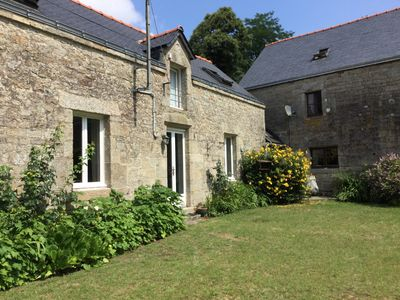 Photo for Pretty stone cottage with private patio in glorious countryside