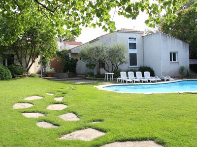 Photo for Comfortable and quiet villa with pool in a landscaped garden
