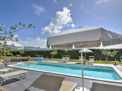 Photo for One bedroom Villa, sleeps 4 in Spello with Pool, Air Con and WiFi