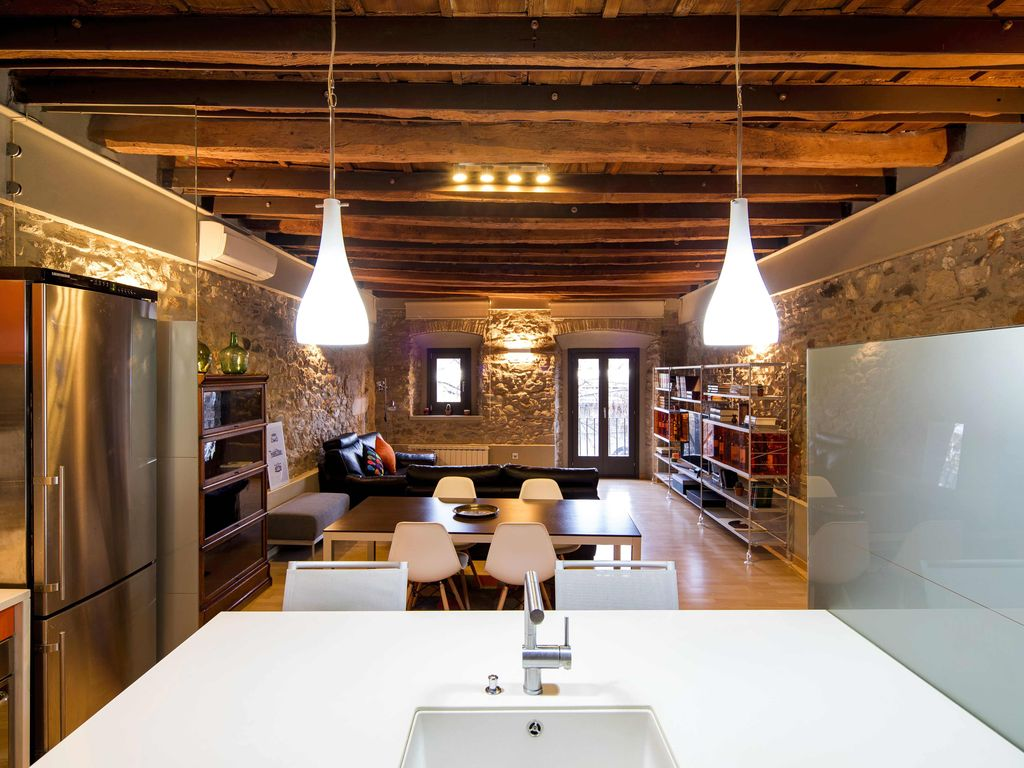 Appartement design dans le barri vell catalogne for Appartement design tours