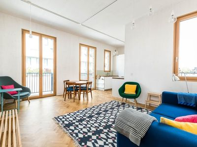 Photo for Apartment in London with Internet, Balcony (647667)