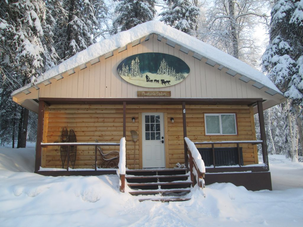 Musher 39 s cabin fairbanks alaska cozy cabin 10 minutes for Alaska cottage