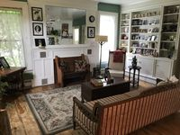 Charming home! Clean and comfortable. Owner was pleasant and helpful!