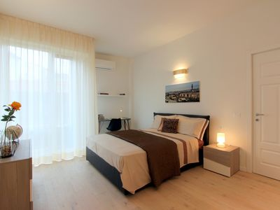 Photo for Santa Croce Stylish Apartment