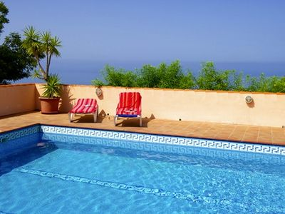Photo for Spacious, charming and child-friendly holiday house with pool.