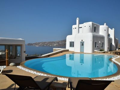 Photo for Beautiful Villa Atlantide very close to the beach, with private pool, 14 sleeps