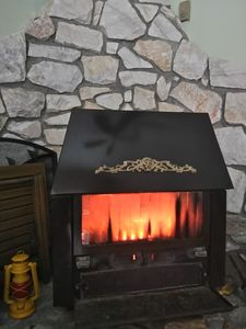 Woodburning fireplace. Great for colder days.
