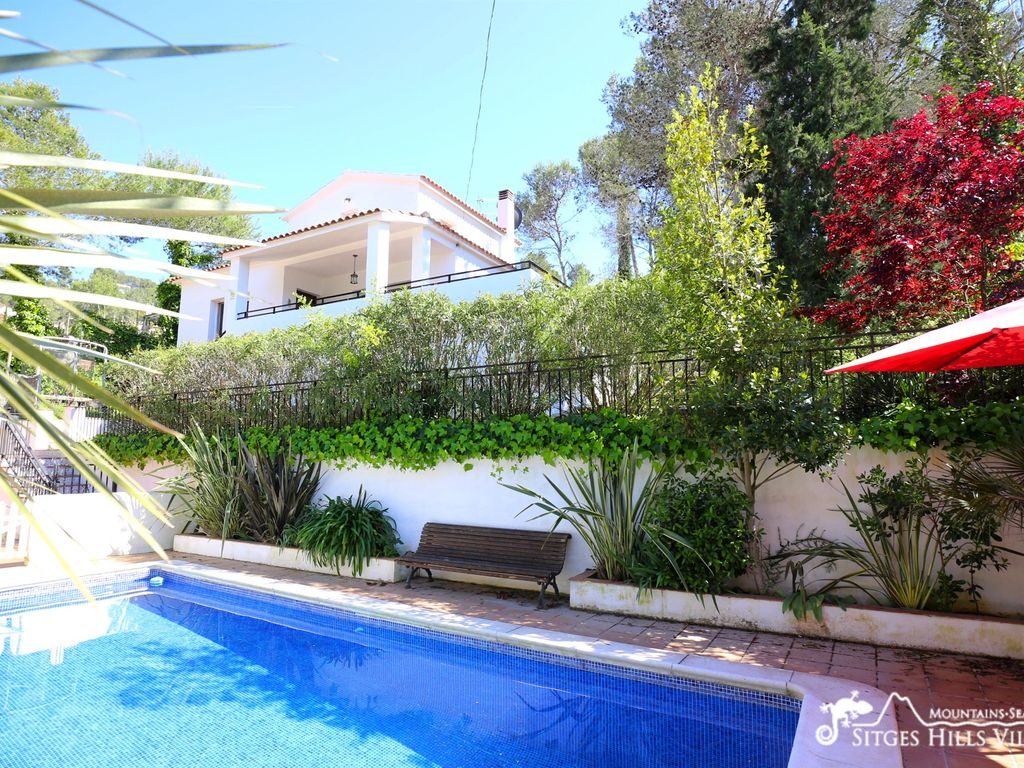 Casa Familia Is A Beautiful Family Holiday Home With Large Private Swimming Pool