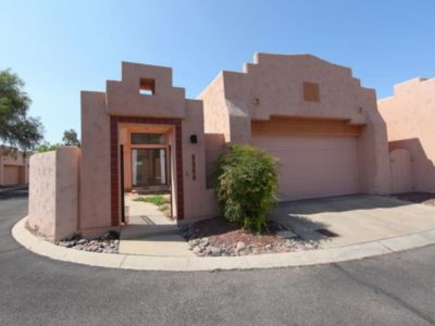 Photo for Beautiful townhome with mountain views in prime location!