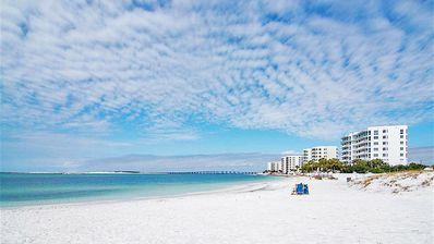 Photo for Located on QUIET Holiday Isle near end of cul-de-sac...catch Destin Water Taxi