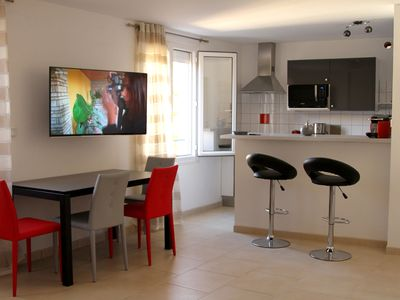 Photo for LAVANDOU,, Apartment 48 m² air-conditioned BEACH 40 m, in the heart of the Provence village