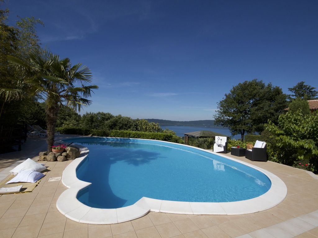 Wellness Holiday near Rome: Jacuzzi - Pool - View - Apartments in ...