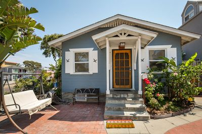 Charming Beach House 100 Yards To