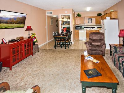 Photo for Walk-in Level 1 BR, Dollywood Ticket + 3 Dinner Show Tickets