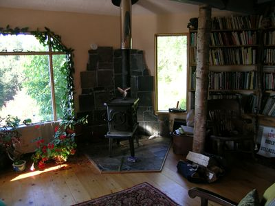 Photo for Sweet Homer house near town is an artist's retreat.