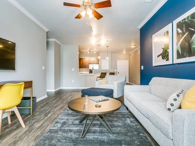 Photo for Welcoming 2BR | Gym + Pool | Downtown