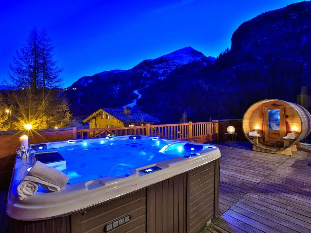 chalet la bulle appt the eagles 15 pers sauna jacuzzi pool. Black Bedroom Furniture Sets. Home Design Ideas