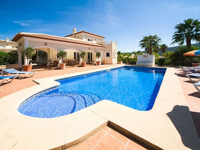Photo for Stunning private villa for 9 guests with WIFI, private pool, TV, balcony and parking