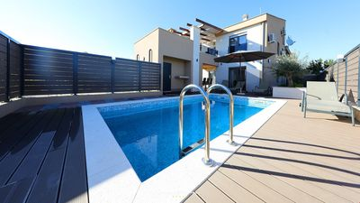 Photo for Modern villa with pool near the sea close to Zadar