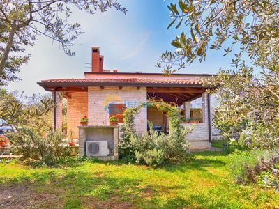 Photo for Apartment 881/2056 (Istria - Novigrad), Family holiday, 300m from the beach