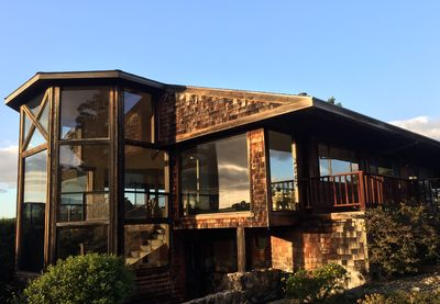 180 degree glassed in view of mountaintop estate