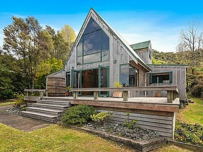 Photo for The Lakeview Chalet - Lake Tarawera Holiday Home