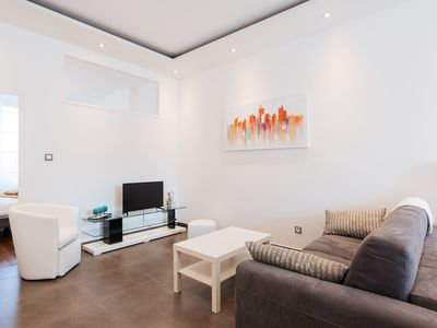 Photo for BEAUTIFUL & MODERN 45SQM APT - CLOSE TO PART DIEU