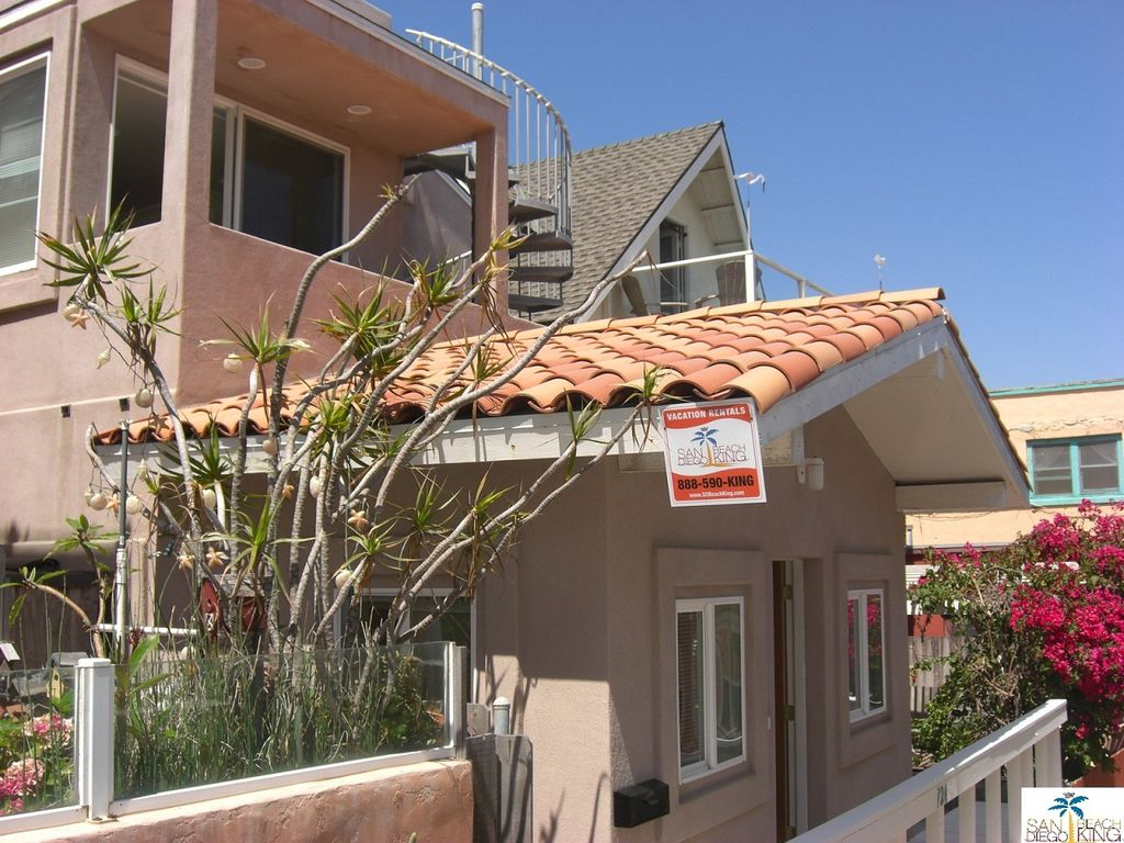 Large mission beach house for the best price san diego for Large beach house