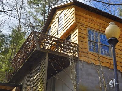 Photo for Hoot Owl Cabin In The Heart Of Apple Country! Pet Friendly and Trails!