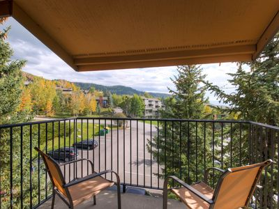 Photo for Ski-in/ski-out condo w/ shared indoor & outdoor hot tubs, sauna & winter shuttle