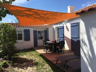 Photo for Small house in the heart of Noirmoutier, comfortable and quiet