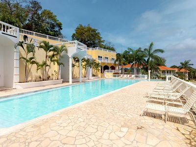 Photo for Rental in gated community w/ shared pool; perfect for couples! Walk to the beach