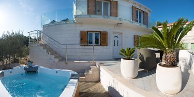 Photo for ****Luxury Villa with outdoor Jacuzzi****