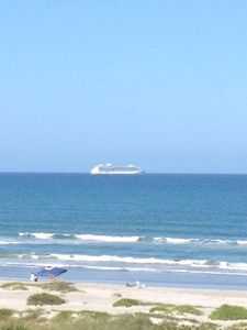 Afternoon cruise ship heading out