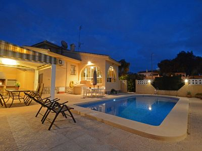 Photo for Large villa with private pool, for families.