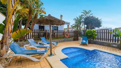 Photo for Charming villa with private pool, near the beach