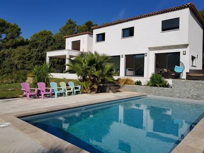 Photo for Rental house with pool in the vineyards Roquefort 15 minutes from Cassis