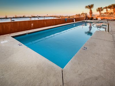Photo for Gulf Front~1 Bedroom~Sleeps 6~Call or book online today!!!