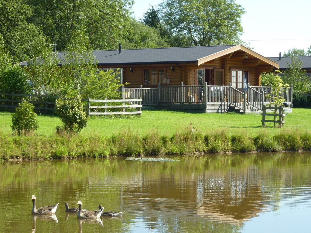 Beau Stamford Cabin Rental   4* Gold Luxury Log Cabin With Hot Tub