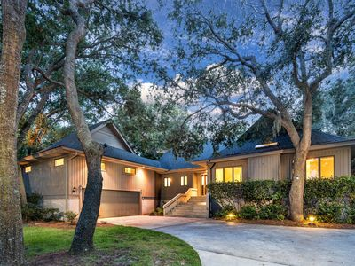 Photo for NEW RENTAL!  4BR/4.5BA in Palmetto Dunes, Walk to Beach.  Private Pool on Lagoon
