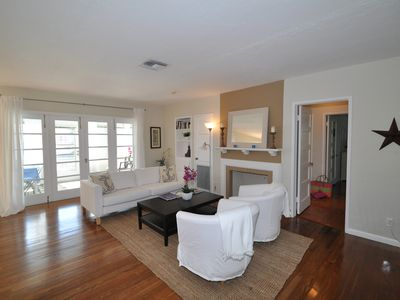 Open floor plan with living- and dining room & kitchen. Wireless Internet