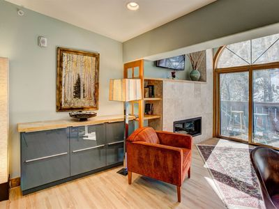 Photo for Sleeps 4, 1 bedroom, 1.5 bathroom. 2 small pets allowed.  Apartment In Downtown Estes Park!