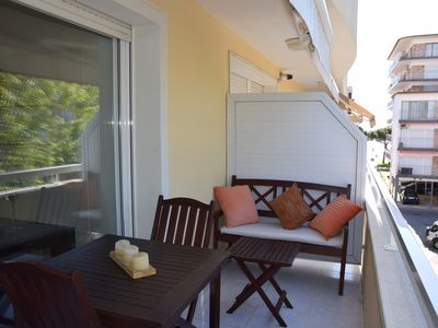 Photo for APARTMENT PLATJA, JUST 85 METERS FROM THE BEACH, AIR CONDITIONING, WFI, PARKING